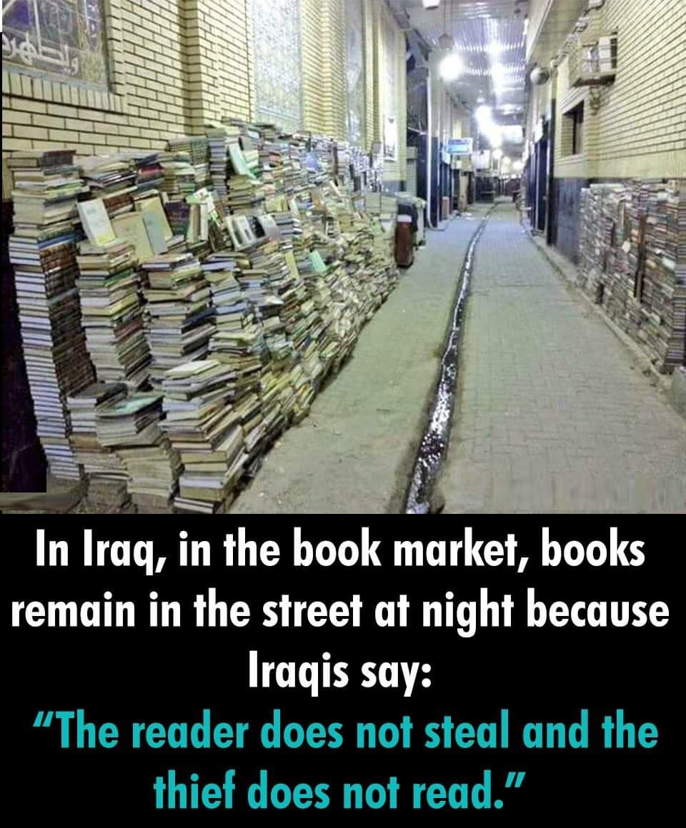 In Iraq book market book remain in streets